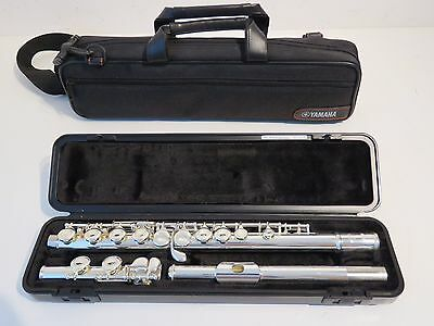 Yamaha YFL211 Flute Outfit - Perfect Student Flute