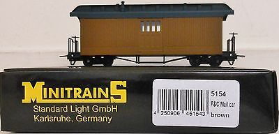 Minitrains 5154 - F & C Mail car - Brown - unlettered. - (009/HOe Narrow Gauge)