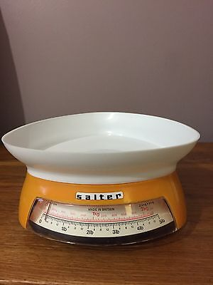 Vintage/Retro Salter kitchen weighing scales Immaculate