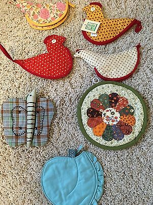 Lot Of 7 Vintage Potholders Chickens, Butterfly, Apple And  70's Round