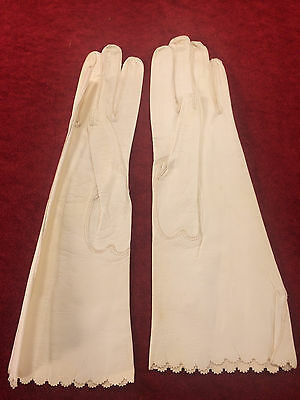 Touraine Vintage Ladies Kid Leather Gloves, Cream Color, Size 6 3/4