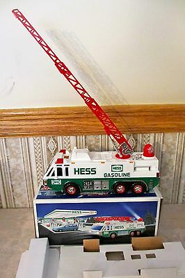 HESS 1996 Emergency Truck w/Horns, Pulsating Lights, Extendable Ladder w/Inserts
