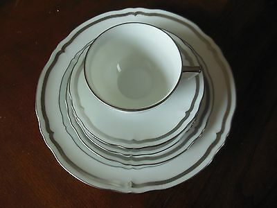 NEW Raynaud Limoges Marie Antoinette Platinum 5 Piece Place Setting