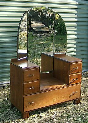 Antique oak dressing table