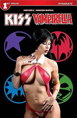 Kiss / Vampirella Number 1 June 2017 Cover E Cosplay Photo Variant