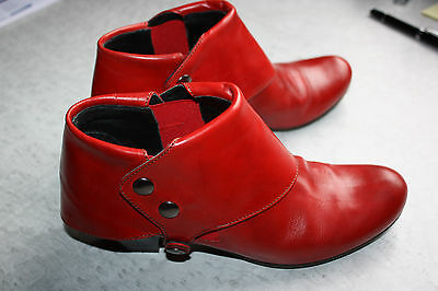 Bottines / low boots Mitica cuir rouge, pointure 39, TBE
