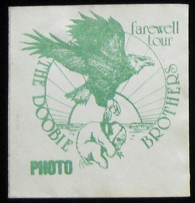 Doobie Brothers _VERY RARE Farewell Tour 1982 Photo Cloth Backstage Pass