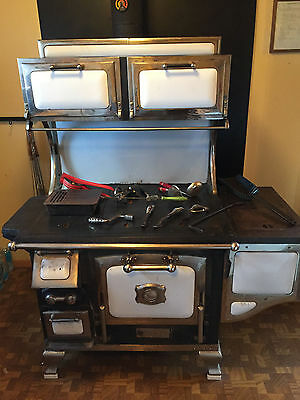 1900s Great Majestic Cook Stove