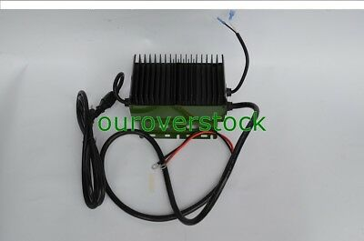 Universal Battery Charger 12V / 15A On Board