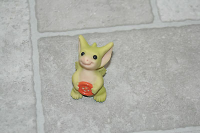 Whimsical World of Pocket Dragons Figurine Belly Button 2001 Real Musgrave