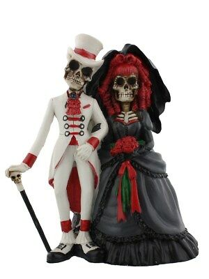 Gothic Wedding Couple Ornament
