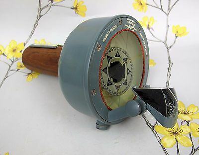 Henry Browne & Son 'Sestrel ' no.16076/B Radiant Hand Bearing Compass. Boxed.