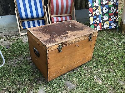 Vintage Rustic Pine Trunk Chest Blanket Box Coffee Table Internal Shelf Key
