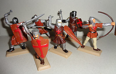 KNIGHTS Brown SHIELDS & Tunics Argentina DSG Medieval Plastic Soldiers Britains