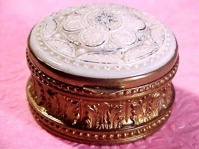 """Antique  Patch Box / Snuff or Pill Box raised Floral Design 1 1/4""""CA.1800s"""