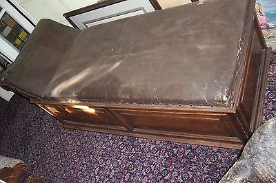 Antique chaise lounge psychiatrist Couch