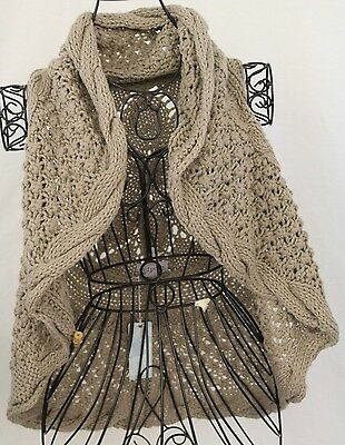MUD PIE Bap Lady One Size Womens Oatmeal Floral Cableknit Sleeveless Shawl NWT