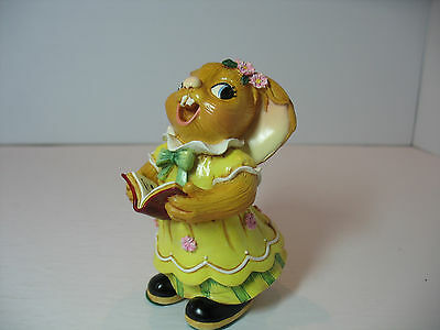 NEW Pendelfin Katherine choir girl singer yellow dress Figurine  Bunny w/ Box