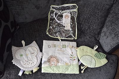 babies r us at toys r us soft wall hangings olive henri & friends collection
