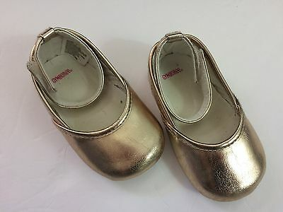 Gymboree ~Gold Mary Janes~ Crib shoes~ baby girls~ Size 04 EUC