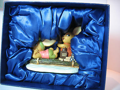 NEW The Raft Pendelfin Figurine #075 of 250 limited edition rabbit Bunny w/ Box