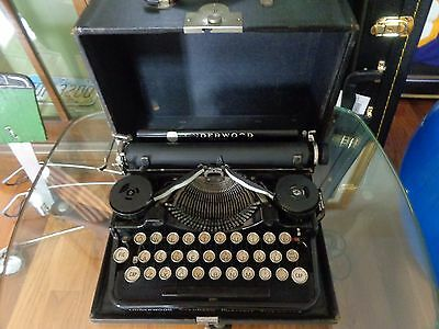 Antique Underwood portable typewriter with case 1920's reporter works excellent