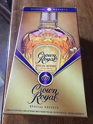 Crown Royal Special Reserve Limited Edition Wooden Collector's Box Velvet Lined