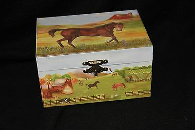 """Horse Music Jewerly / Trinket  Box Plays """"My Old Kentucky Home."""""""