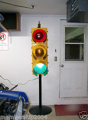 Large Vintage Real Traffic Signal Light -3 lights.Just plug it in! Has sequencer