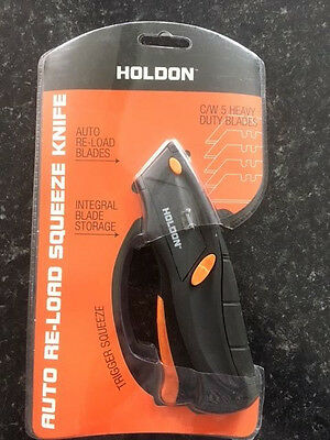 Holdon Auto Re-load Squeeze Knife