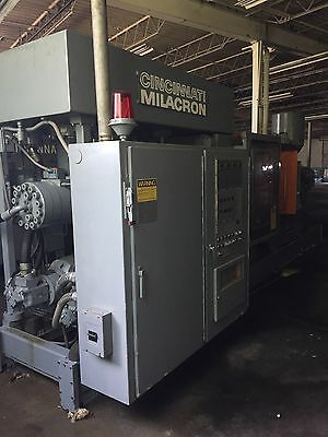 cincinnati milacron Injection Molding Machine 375 Ton
