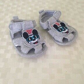 chaussons Disney Mickey taille 3/6 mois