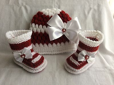 Hand knitted baby girl booties and hand knitted / hat 0-3 months
