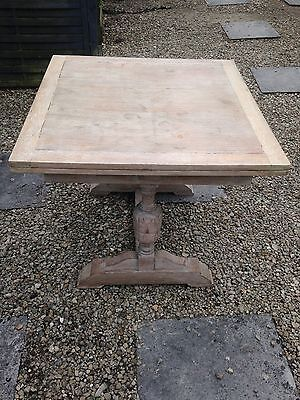 Unusual Edwardian Extendable Table with 2 baluster legs