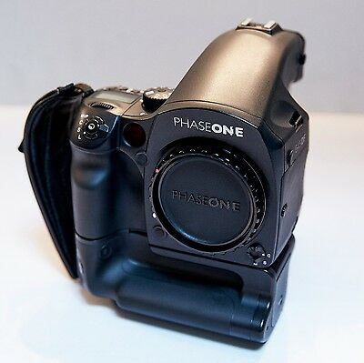PHASE ONE SYSTEM DF Body, P65+ digital back, 3 lenses, cases and much more...