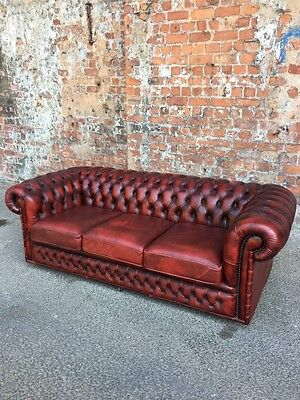 Classic Red / Oxblood Leather 3-Seater Chesterfield Settee - Large Leather Sofa