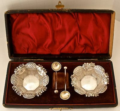 English Sterling Boxed Pair Of Salt Dishes With Matching Spoons Birmingham 1897