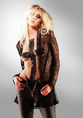 1a Taylor Momsen  A4 12x8 inch approx photo