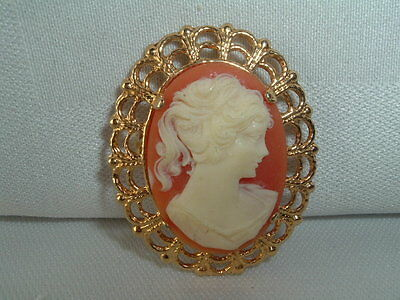 Vintage Cameo Brooch Pin Gold Tone