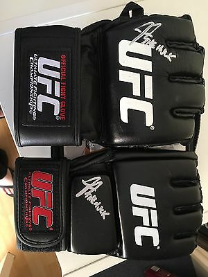 UFC Glove Hand  Signed By Soa The Hulk