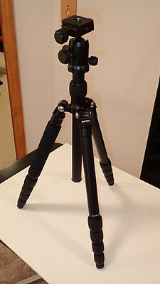 Benro A1350Q1 travel tripod with case