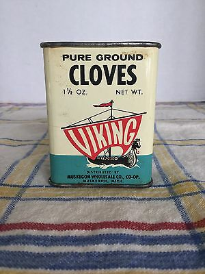 Vintage Viking Cloves Spice Tin Can 1 1/2 oz Muskegon Wholesale Co, Muskegon, MI