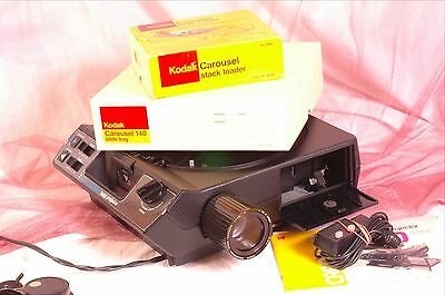 Kodak carousel 5400 slide projector with zoom lens, tray & more..