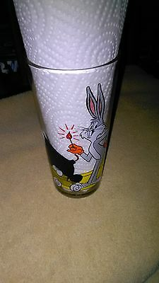 bugs bunny Looney Tunes GLASS by Pepsi 1976