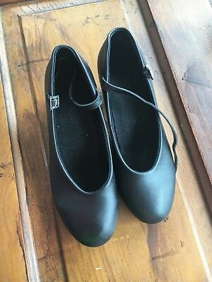 Character Shoes So Dance Theatricals Footwear women's size W