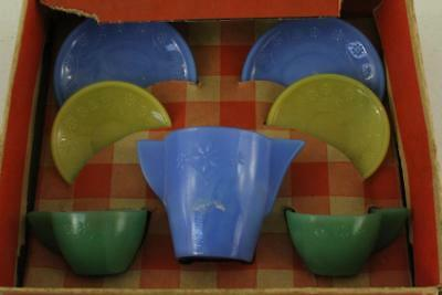 Vintage AKRO AGATE Play Time Tea Set Childrens Dish Set Blue Yellow Green Floral