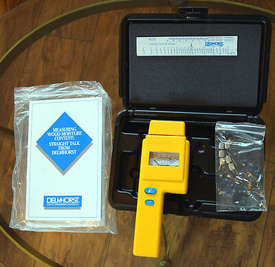 Delmhorst Moisture Meter J-4  Original case + manual