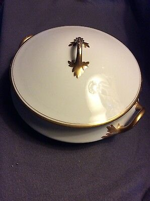 J & G Meakin English china vegetable/casserole with lid