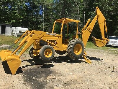 John Deere 300 Diesel Backhoe Tractor With Loader, Excavator