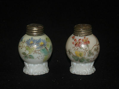Antique Victorian Glass Mt Washington Apple Footed Little Salt & Pepper Shaker